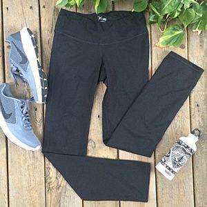 {Old Navy} Black Straight-Leg Active Leggings